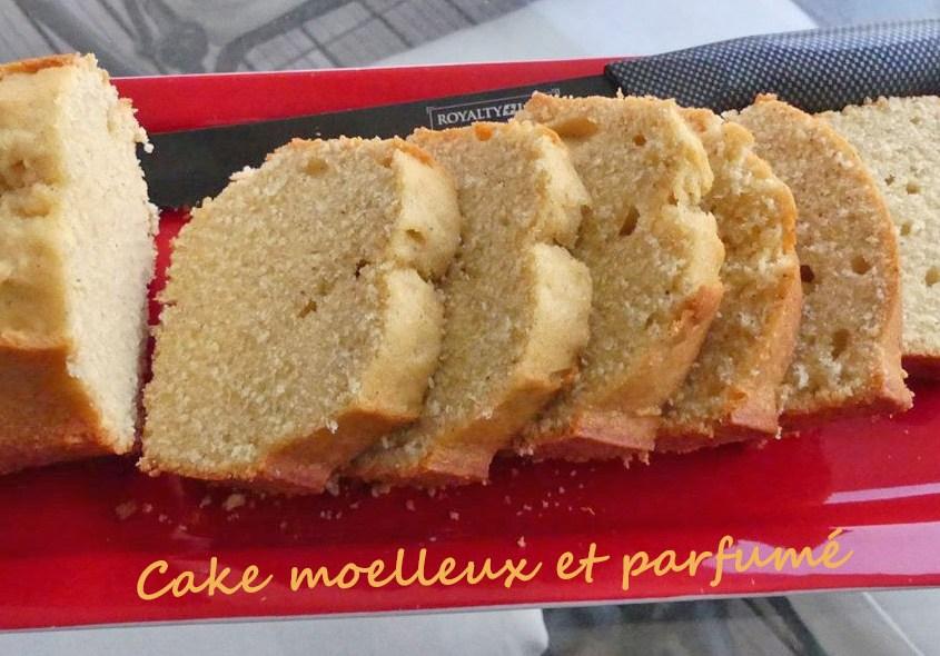 Cake moelleux et parfumé P1020670 (Copy) R