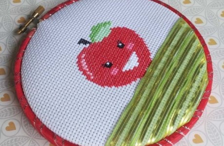 This Apple Cross-Stitch Pattern Sure is Sweet