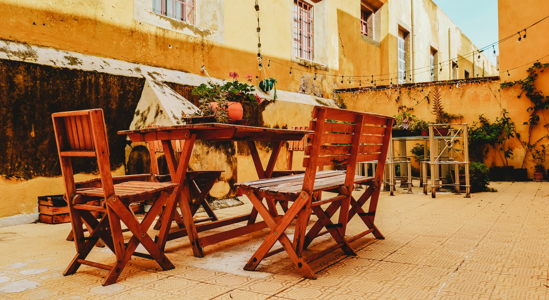 how to buy patio furniture cross