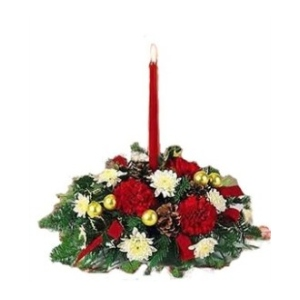 red candle christmas centerpiece red roses balsam