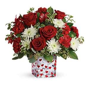 red roses heart vase flower arrangement