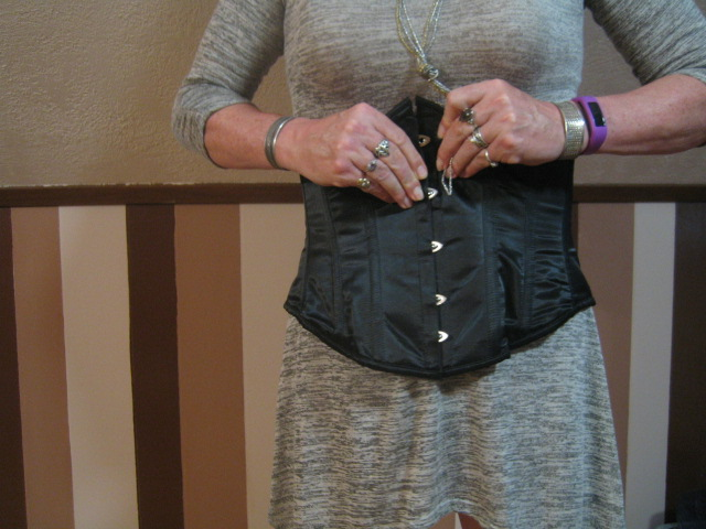 Wearing a Corset for Crossdressing: Snapping the Second Hook First