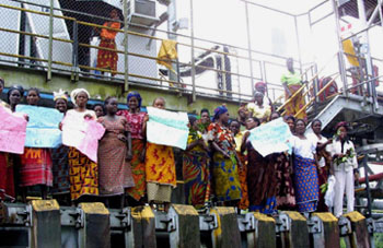 Gharamatu women occupying a Chevron oil flow station in Makarava in the Niger Delta July 21, 2002.