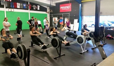 group-girls-rowing