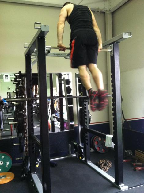 Brad Vickers - Bar Muscle Up