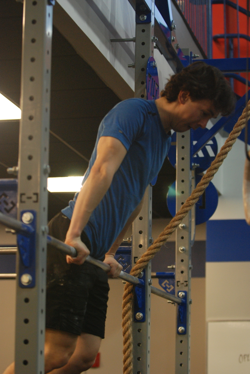 Ed making those bar muscle ups look easy!