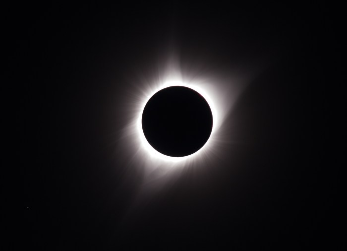 Total eclipse with coronal