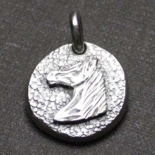 手彫りの馬の横顔(フォースフェイス)がついたコインのペンダント「ミニコインペンダント(ホースフェイス)」