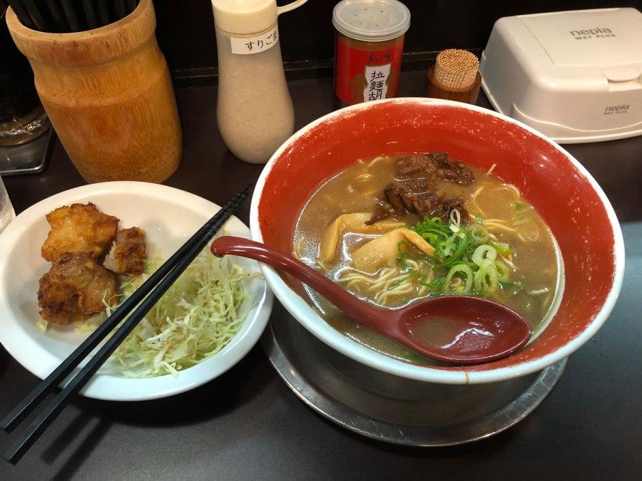 神戸・元町「麺王」徳島ラーメン