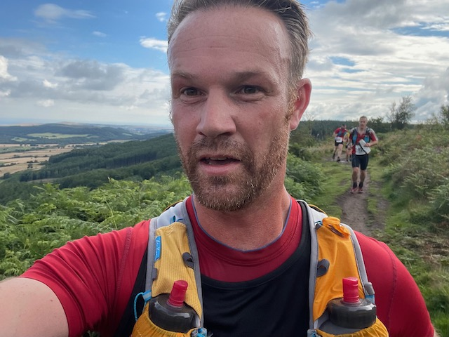 Hanging Stone Leap Race 2021 - Approaching Highcliffe Nab