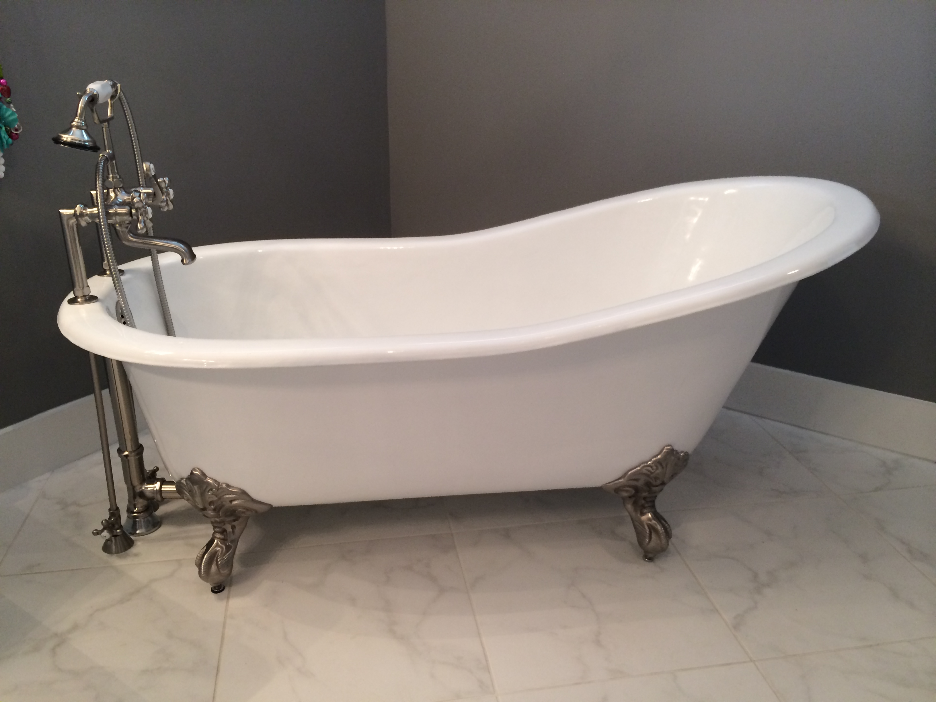 Why Buy A New Cast Iron Clawfoot Bathtub Instead Of An