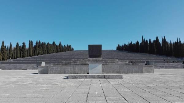 Marina Bastiani Monumentalita del sacrario