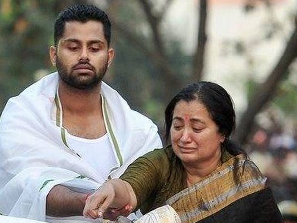 Sumalatha to defeat Nikhil Kumaraswamy ?