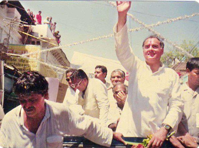 4 Pics from the Rajiv Gandhi Assassination 1991