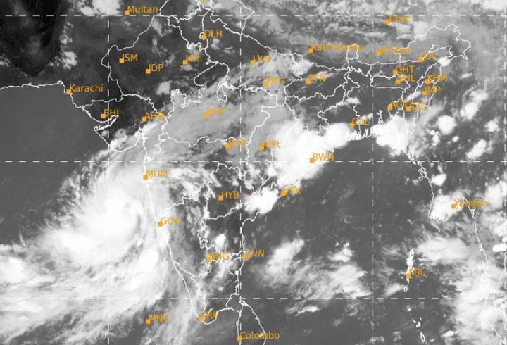 Whatsapp forwards Increase Mumbaikars Anxiety about Cyclone Nisarga
