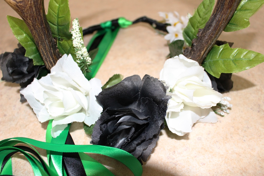 Flower Crown with Real Antlers: Tutorial
