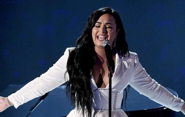 Demi Lovato – Anyone Lyrics