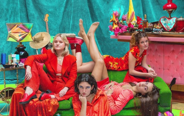 Hinds – This Moment Forever lyrics