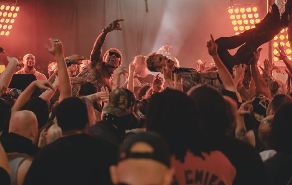 Yelawolf, Machine Gun Kelly & DJ Paul – Rowdy lyrics