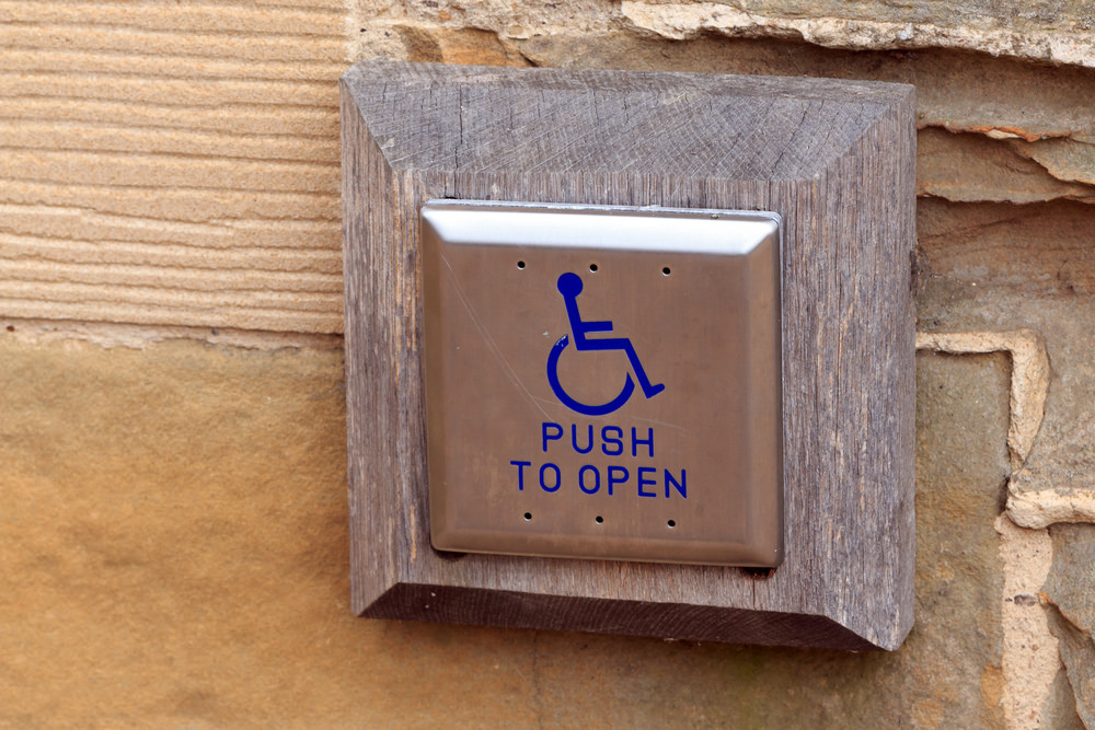 دور الأهل في التعامل مع الأطفال ذوي الإعاقة