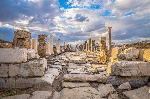 Послання до церкви в Лаодикії: це звернення до сучасних християн
