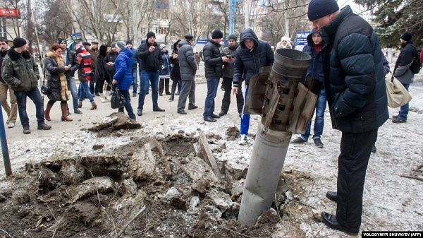 Ракетний обстріл проросійськими бойовиками Краматорська. Загинули 15 людей і 15 були поранені. Донбас, 10 лютого 2015 року