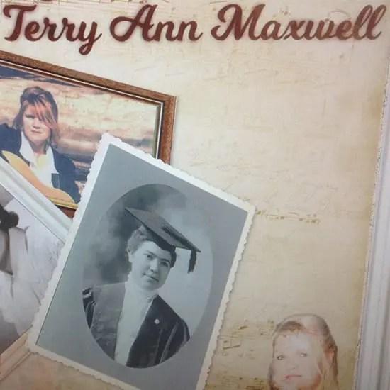 DD355 - Terry Ann Maxwell The Photograph