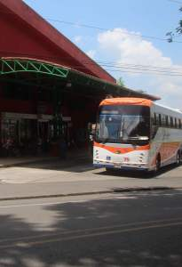 public transportation la fortuna bus terminal