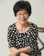 鄭穎俐老師 (Ms. Lily Cheng)