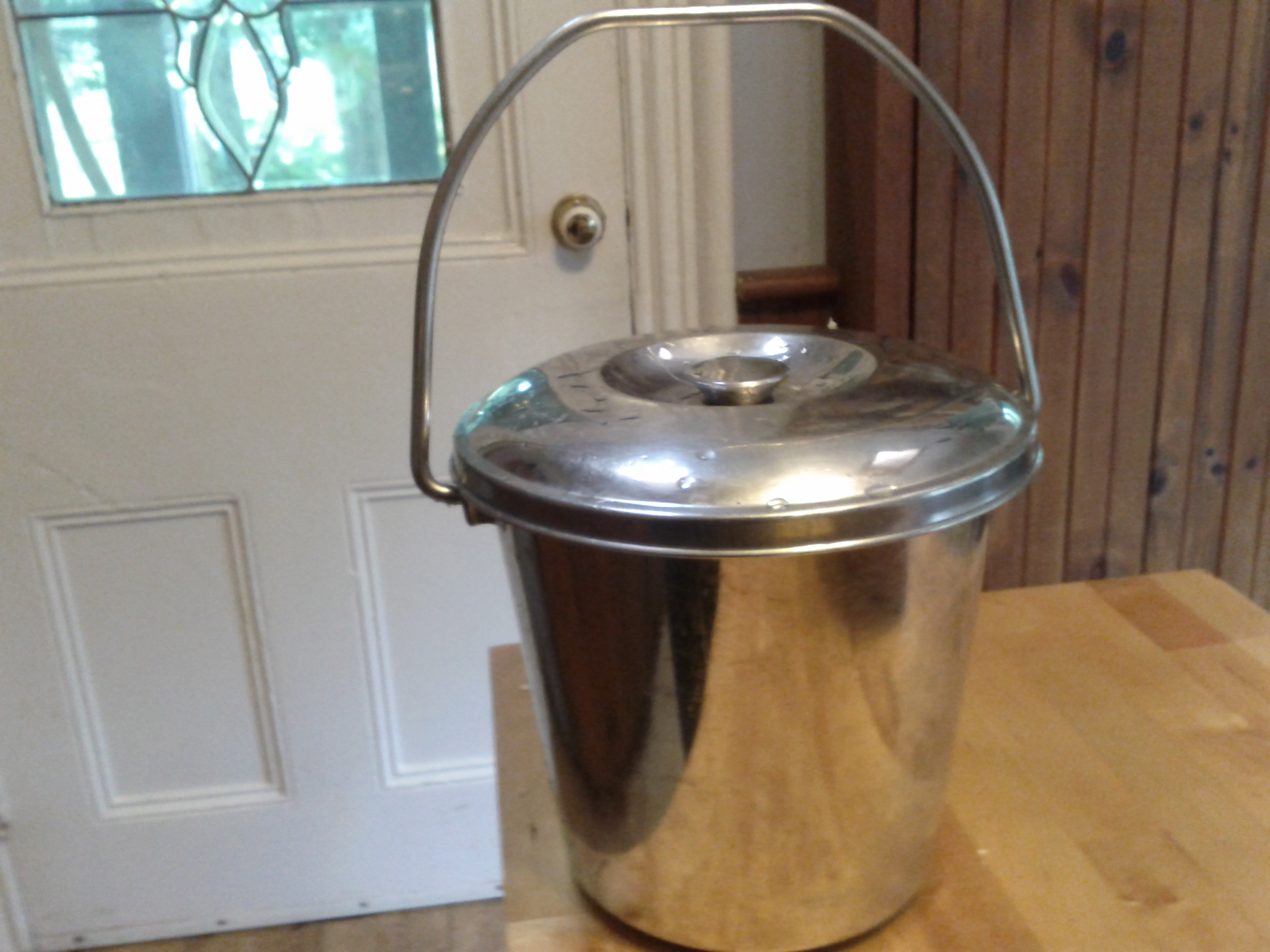 Lee Valley Compost Pail