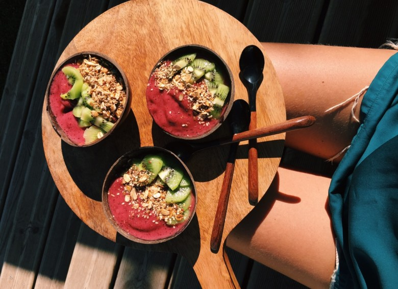 Cru com pinta, morning bowls, coconut bowls