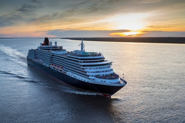 Cunard's Queen Victoria Becomes Largest Passenger Ship to Sail the Amazon | 30