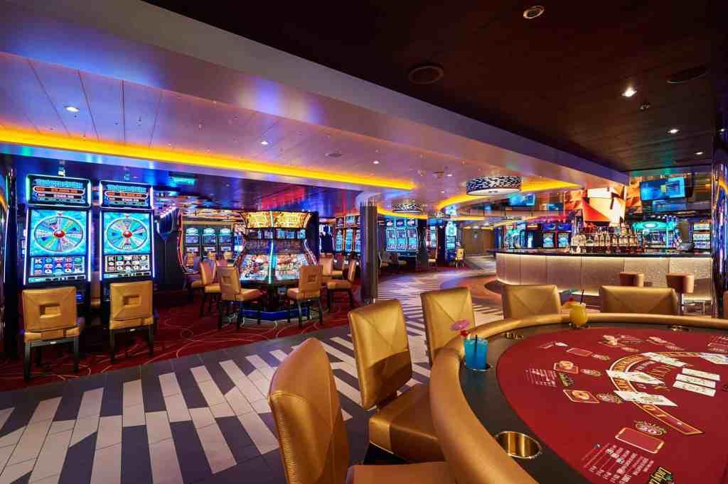 Carnival Horizon Casino Bar