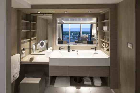 Sky Suite Cat. S2 - Bathroom - Room 10111 Deck 10 Forward Portside Celebrity EDGE - Celebrity Cruises