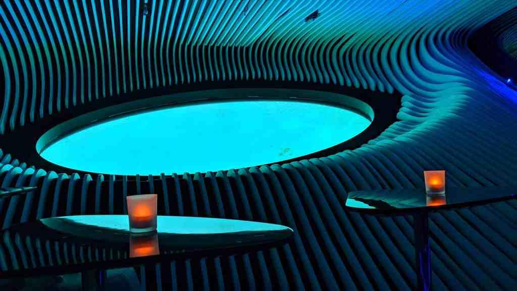 Blue Eye lounge on Le Laperouse