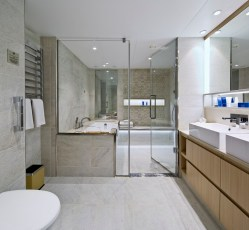 explorer suite bathroom