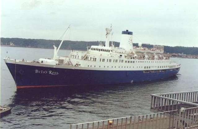 betsy-ross-cruise-ship