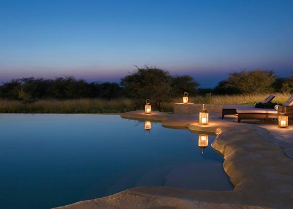 anantara_sir_bani_yas_island_al_sahel_villa_pool-at-night-g-asl_2414