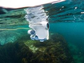 blue-eye-drone-underwater