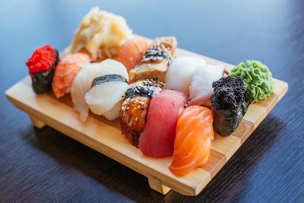 sushi-dining