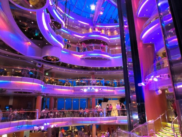 vision-of-the-seas-entertainment