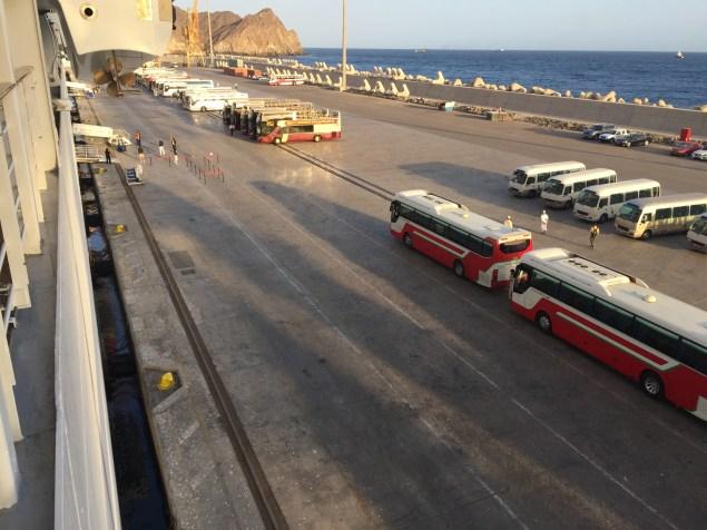 mscsplendida-muscat-buses-shore-excursion