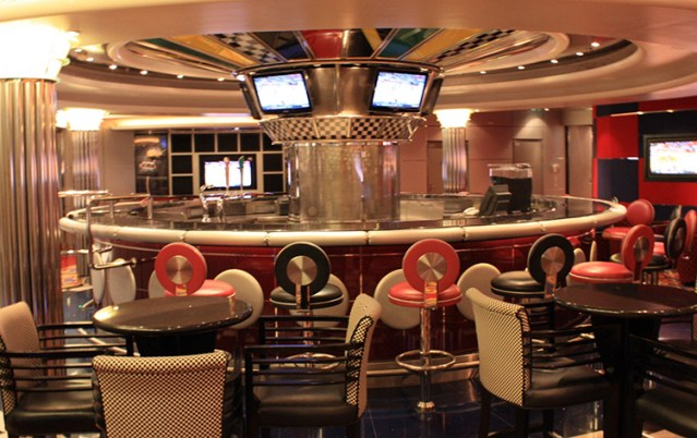 jewel-of-the-seas-pit_stop_sports_bar