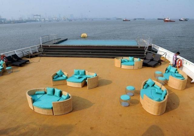 angriya-cruises-pool