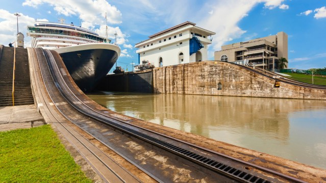 transit panama cruise