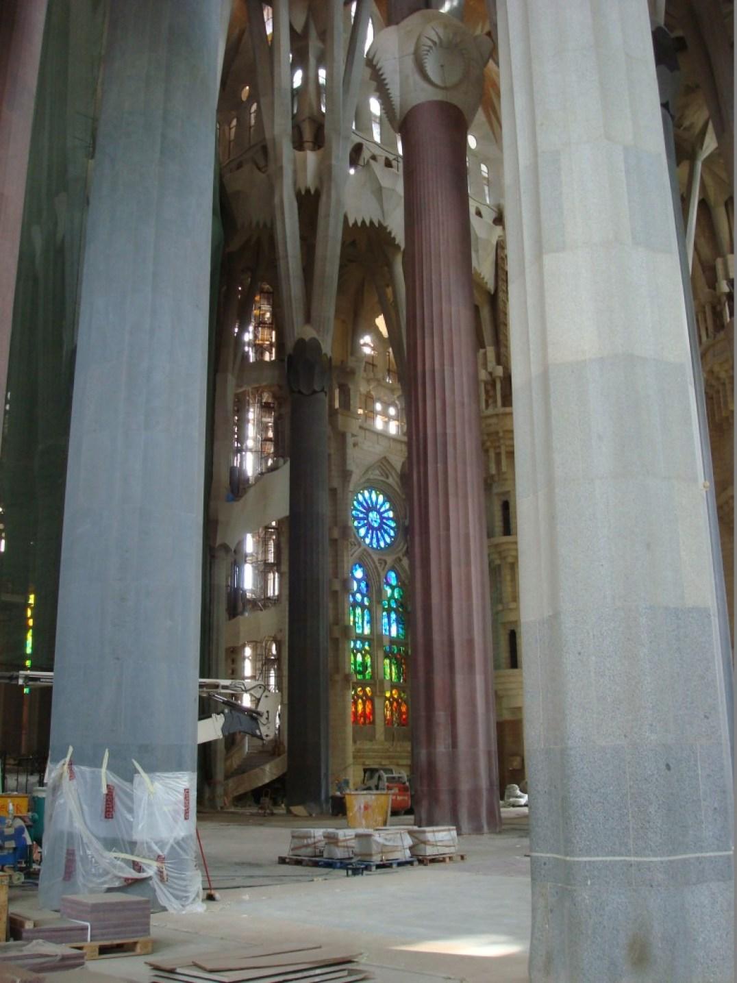 Die Spanische Kirche Sagrada Familia Innen