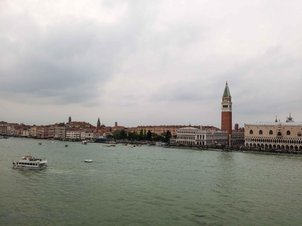 Ausfahrt von der MSC mit Blick auf Venedig