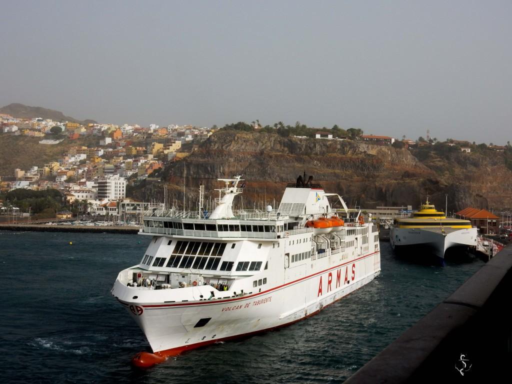 Der Hafen von La Gomera San Sebastian mit Fähre