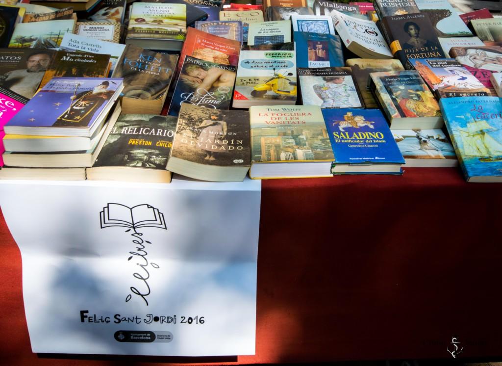 Buchstand in Barcelona an Sant Jordi