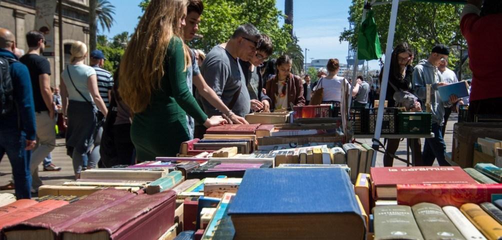 Bücher an Sant Jordi